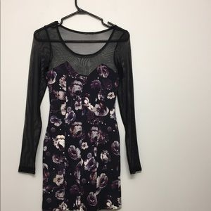 Floral w/ sheer long sleeve dress Sz S